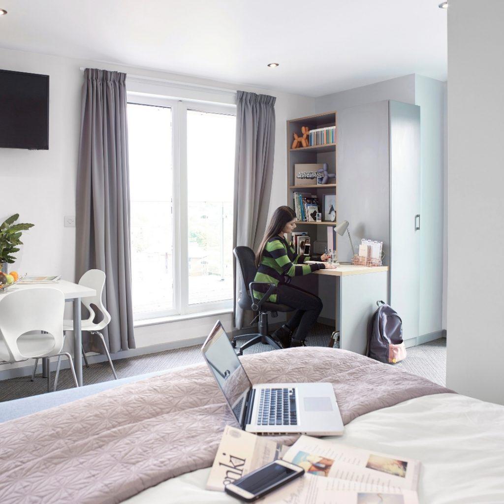 Extra large premium studio study space